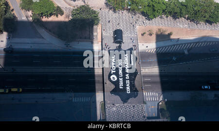 Rio de Janeiro, Brazil. 28th September 2017. Upper view of a protest organized by the Greenpeach against French - Stock Photo