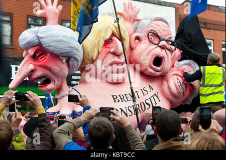 Manchester, UK. 1st October, 2017. An EU Monstrosity Statue is unveiled at the anti-Brexit Rally. Anti-Brexit, protesters - Stock Photo