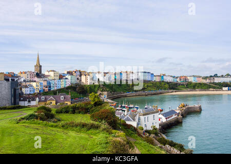 High view to harbour, North Beach and seafront hotels from Castle Hill. Tenby, Pembrokeshire, Carmarthen Bay, Wales, - Stock Photo