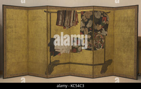 Whose Sleeves? (Tagasode), Edo period (1615–1868), 17th century, Japan, Six-panel folding screen; ink, color, and - Stock Photo