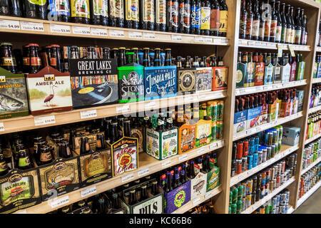 Washington DC District of Columbia MOM's Organic Market grocery store supermarket shopping display shelves craft - Stock Photo
