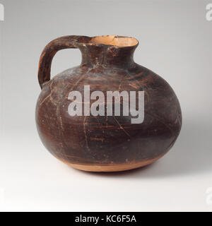 Terracotta oinochoe (jug), Archaic, 6th century B.C., Lydian, Terracotta, H. 10 1/4 in. (26.1 cm), Vases, One-handled - Stock Photo