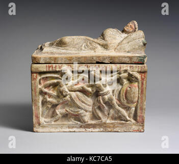 Terracotta cinerary urn, Hellenistic, 2nd century B.C., Etruscan, Terracotta, Overall (with lid): 13 3/4 x 13 3/4 - Stock Photo