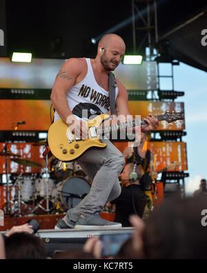 FORT LAUDERDALE, FL - APRIL 16: Sam Hunt performs onstage during Tortuga Music Festival on April 16, 2016 in Fort - Stock Photo