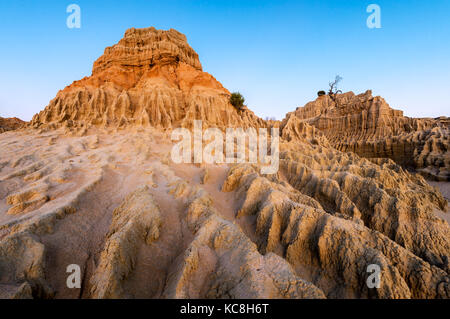 Sand dune formations of the Walls of China in Mungo National Park. - Stock Photo