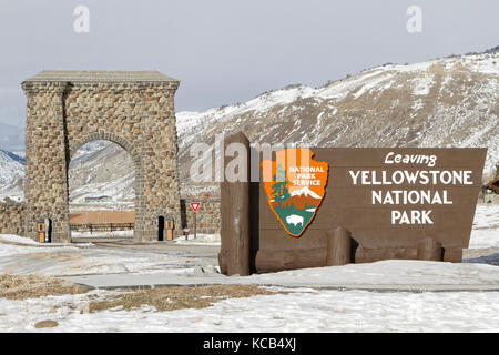 GARDINER, MONTANA, January 22, 2017 :  The Roosevelt Arch is a rusticated triumphal arch at the north entrance to - Stock Photo