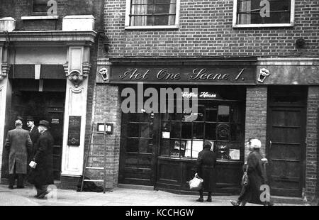 Late 1950s, historical picture showing the exterior of the Soho coffee house, Act one -Scene 1, a venue thaw would - Stock Photo