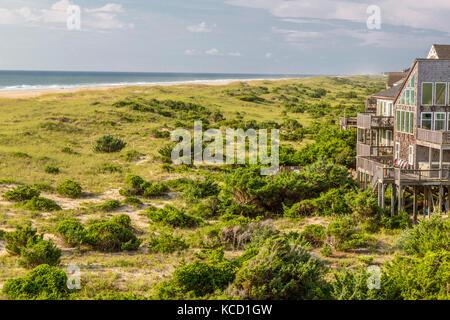 Avon, Outer Banks, North Carolina, USA.  A Beach House on a Barrier Island, Atlantic Ocean off Beach. - Stock Photo