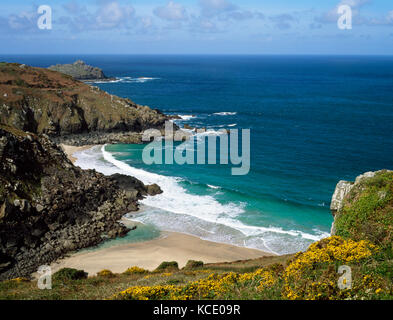 Pendour Cove, Zennor, Cornwall. Looking west from coastal path towards Gurnard's Head. - Stock Photo
