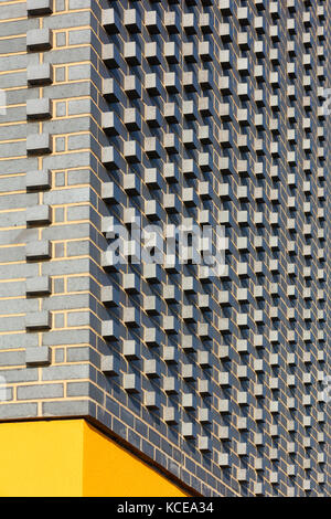Grey brick textured corner. Walton High Academy, a new secondary school for Milton Keynes Council. - Stock Photo