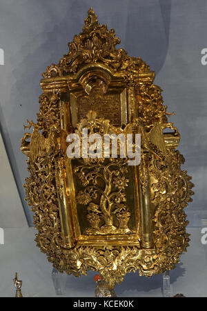 Silver gilt Torah shield and pointer. The Tree of Life is depicted in the central panel. Dated 18th Century - Stock Photo