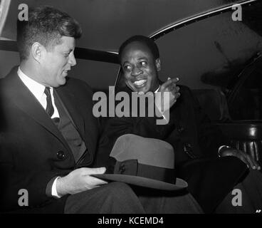 US President John Kennedy with Kwame Nkrumah, President of Ghana in 1961 during Nkrumah's visit to the USA. - Stock Photo