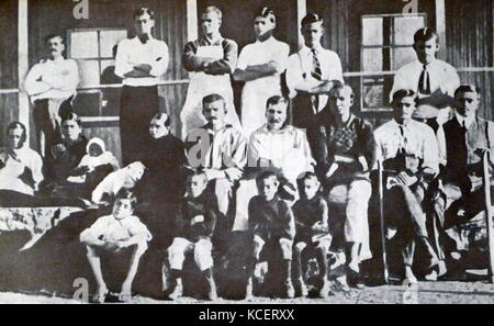 Mohandas Karamchand Gandhi with Kallenbach and others at the Tolstoy Fram 1910. Gandhi established an idealistic - Stock Photo