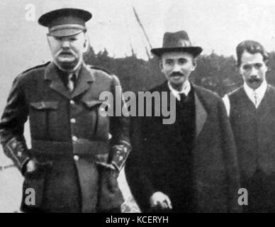Mohandas Karamchand Gandhi visits England 1914. Gandhi established an idealistic community called 'Tolstoy Farm' - Stock Photo
