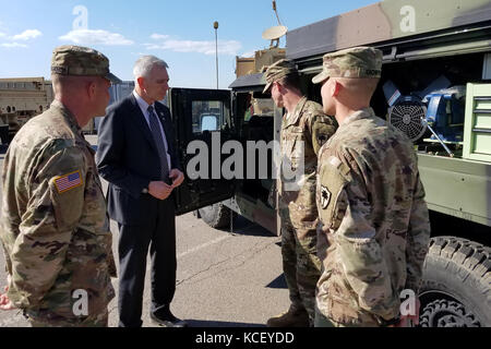 U.S. Rep. Ralph Abraham, congressmen from Louisiana, meets with U.S. Soldiers assigned 742nd Support Maintenance - Stock Photo