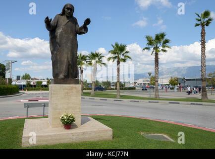 ALBANIA, Tirana , Mother Teresa memorial at airport, she was born as Anjezë Gonxha Bojaxhiu on 26. August 1910 in - Stock Photo