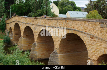 Richmond Bridge, oldest bridge in Australia, built by convicts in 1823-25. Richmond, Tasmania, Australia - Stock Photo