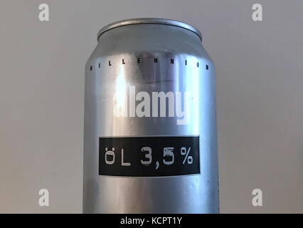 Berlin, Germany. 04th Oct, 2017. The inscription 'Oil 3, 5%' (Swedish for Beer) can be seen on an aluminum beer - Stock Photo