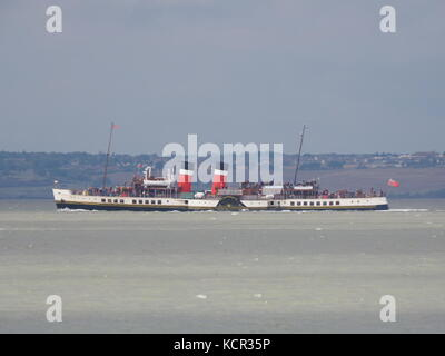 Sheerness, Kent, UK. 7th Oct, 2017. The Waverley Paddle Steamer arriving at Sheerness as it heads up the Medway. - Stock Photo