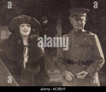 Bebe Daniels & James Harbord   Jul 1921 EH - Stock Photo