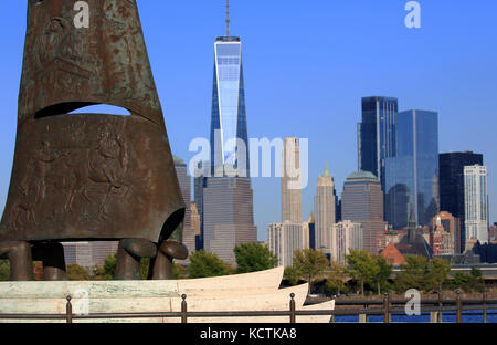 A closed up view of Columbus Monument at Liberty State Park in Jersey City with the skyline of Lower Manhattan in - Stock Photo