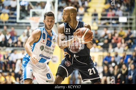 Turin, Italy. 07th Oct, 2017. Andre Jones during the Serie A an Basketball match Fiat Torino Auxilium vs Dinamo - Stock Photo