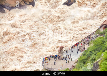 Tiger Leaping Gorge, one of the deepest and most spectacular river canyons in the world, located on the Jinsha River. - Stock Photo