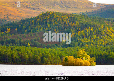 Cairngorms, UK. A warm and sunny day in the Cairngorms National Park in the Highlands of Scotland with the Autumn - Stock Photo