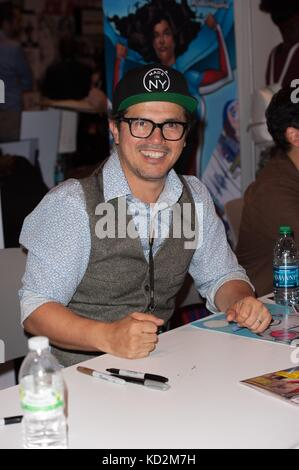 New York, NY, USA. 8th Oct, 2017. John Leguizamo, attending his signing of his new comic Book Freak in attendance - Stock Photo