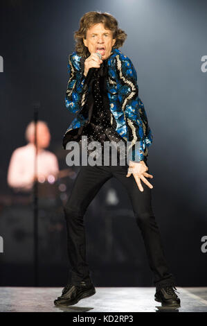 Dusseldorf, Germany. 09th Oct, 2017. Mick Jagger of The Rolling Stones performs live on stage during the 'No Filter' - Stock Photo