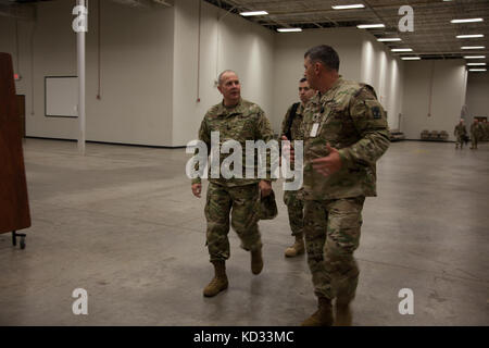 U.S. Army Lt. Gen. Timothy Kadavy, Director of the Army National Guard, talks with U.S. Army Lt. Col. Brian Pitts - Stock Photo