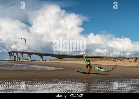 Kitesurfer, Plage Nord, Pont de Ile de Re, bridge,  Ile de Re, Nouvelle-Aquitaine, french westcoast, france, - Stock Photo