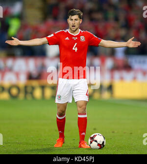 Wales' Ben Davies reacts during the 2018 FIFA World Cup Qualifying Group D match at the Cardiff City Stadium, Cardiff. - Stock Photo