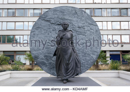 Mary Seacole statue in the grounds of St Thomas Hospital, London, England, UK - Stock Photo