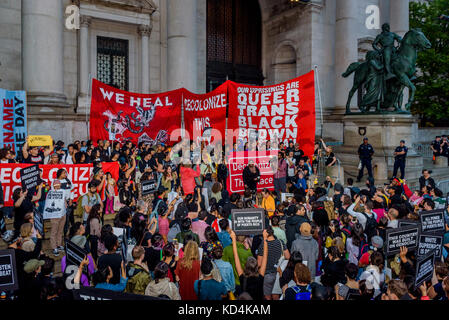 New York, United States. 09th Oct, 2017. Activists from New York's Indigenous and Black communities, along with - Stock Photo