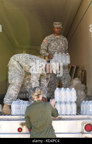 U.S. Army Pfc. Daquan Dabney, and Spc. Frank Williams from the 742nd Maintenance Company, South Carolina Army National - Stock Photo
