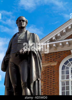 Statue of Victorian Prime Minister Sir Robert Peel MP  in front of Tamworth Town Hall Staffordshire England UK - Stock Photo