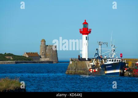 Saint-Vaast-la-Hougue (Normandy, north-western France): Saint-Vaast Lighthouse and Vauban Fort in Tahitou Island, - Stock Photo