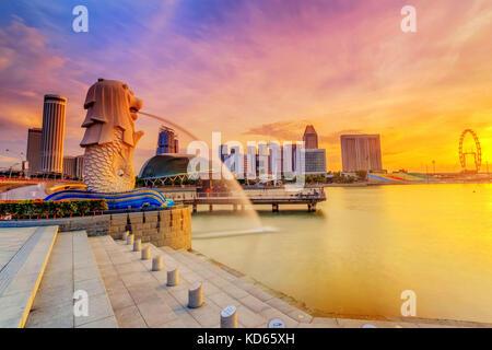 SINGAPORE - AUG 28, 2017 : Sunrise in the morning at Merlion Singapore Marina Bay Sand - Stock Photo