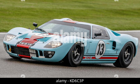 1965 Ford GT40 with driver Shaun Lynn during the Whitsun Trophy race at the 2017 Goodwood Revival, Sussex, UK. - Stock Photo