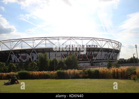 Olympic London Stadium - new home of West Ham United, just days after the first Hammers match was played there - Stock Photo