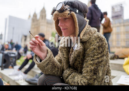 London, UK. 10th October 2017. Rudy smoking marijuana outside British Parliament demanding the legalisation of cannabis.She's - Stock Photo