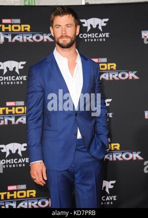 Los Angeles, CA, USA. 10th Oct, 2017. Chris Hemsworth at arrivals for THOR: RAGNAROK Premiere, El Capitan Theatre, - Stock Photo