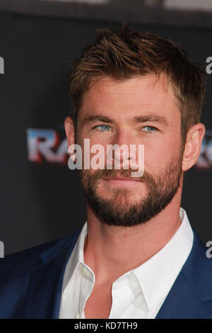 "Los Angeles, USA. 10th Oct, 2017. Chris Hemsworth  10/10/2017 The world premiere of ""Thor: Ragnarok"" held at El - Stock Photo"