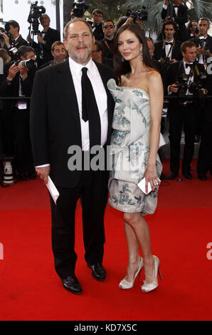 Cannes, France. 24th May, 2009. Producer Harvey Weinstein and his wife, British fashion designer and actress Georgina - Stock Photo