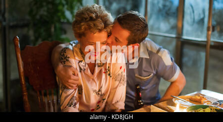 FILM STARS DON'T DIE IN LIVERPOOL 2017 Lionsgate film with Annette Bening and Jamie Bell - Stock Photo