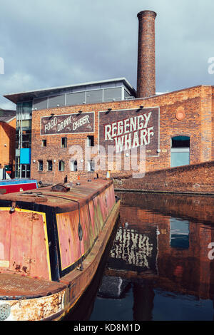 Old houseboats at Gas Street Basin in the heart of Birmingham's canal network - Stock Photo