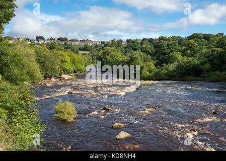 The river Swale at Richmond Falls below the historic town of Richmond in North Yorkshire, England. - Stock Photo