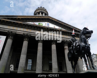 Duke of Wellington Statue with traffic cone , outside the Gallery of modern Art, Queen Street, Glasgow - Stock Photo