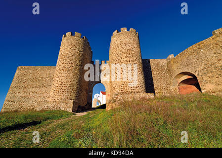 Portugal: Medieval castle walls of Evoramonte - Stock Photo